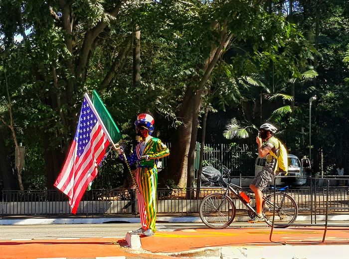 Flag São Paulo Tree People Only Men Mobile Conversations Mobilephotography Multi Colored Brazil Mobile Avpaulista SP Creativity Adult Outdoors Day Enjoyment Boys Real People Young Adult Sky EyeEmNewHere