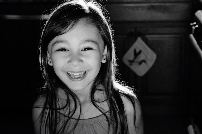 Missing Tooth Smile Little Girl Reflector Simple Beauty Happy