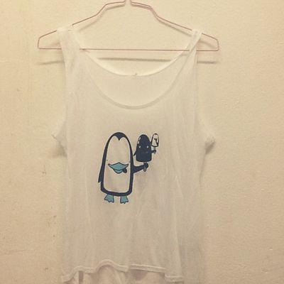 Pinguino che mangia il pinguino che mangia...coming soon on www.chiaralascura.it #tencel #modaetica #fairwear #fairtrade #chiaralascura #ecofashion Fairtrade Chiaralascura Fairwear Ecofashion Modaetica Tencel