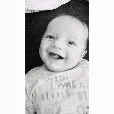 La sonrisa más bonita del mundo!! No hay mejor consuelo en la vida qué saber que tu hijo está bien, desde luego para mi esta carita de felicidad lo vale todo. Mf Mfbaby Gabriel Mflove Family Summer Mfoliver Mivida Miamor Mibebe Mf @juangabrielmg