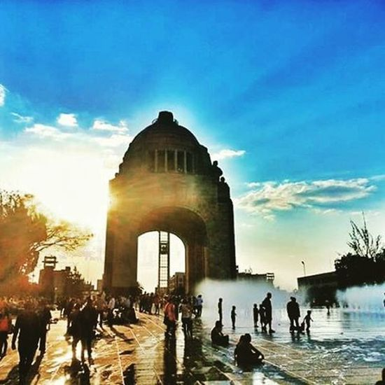 Atardeciendo en el monumento a la Revolución... Mexicodf Mexicocity  Photooftheday Travelingram Df Enjoylife Sunset Happyday Funtimes Arquitectura FotoDelDia Instamex Instagood Arquitetura EyeEm Best Shots Mexico_maravilloso Eye4photography  Taking Photos CityLifeStyle Enjoying Arquitecturestyle Arte Urban TurismoEnjoying Life