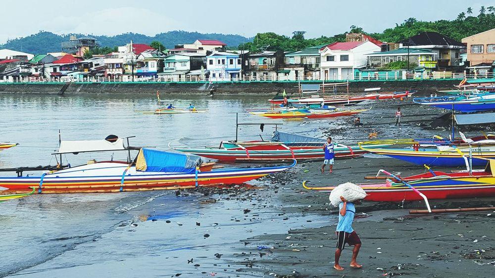 Something fishy Boat Choosephilippines2016 Tourism EyeEmPhilppines Shore Town Quezon Province Fishport Documentary Photojournalism Travelphotography EyeEm Best Shots People Of EyeEm The Week On EyeEm