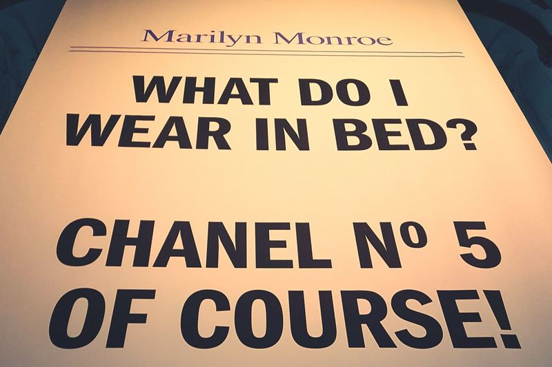 MARILYN MONROE ♡♥♡♥ Marilyn Monroe Marilyn Monroe <3 Qoutes & Sayings Chanel N°5 Chanel EyeEmNewHere