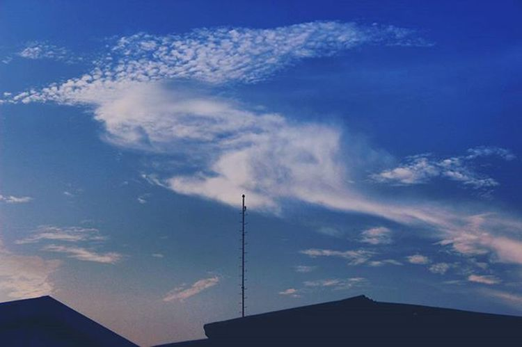 No caption . . . . . . . . . . . . . Lanscape Randomnesia_ Main_enak Exploreriau Riauku Vscolove Vsconature Vscocam Vscogood Instalike Instagoods Photooftheday Fotografiaunited Fotograferjomblo Anakikutikutan Sebentar2keluar Pamatulphotography Cloud Clouds Cloudy Pkulover