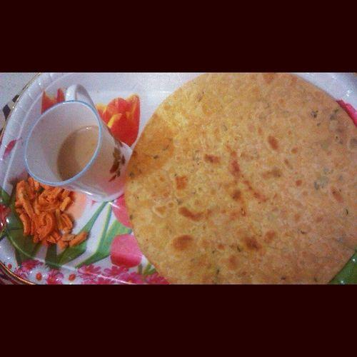 Khakra Gujarati Nashta Chai
