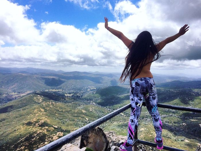 Freedom Noregrets Justlove  Nature Hiking Mountains Thetoplesstour