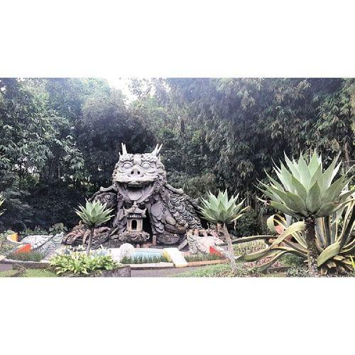 Vihara Buddhayana Tomohon INDONESIA 20140511 Buddhist Buddha Praying