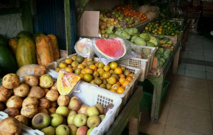 There is so many fruits The Week On EyeEm Fruit Food Healthy Eating Market Market Stall Food And Drink Freshness Day Outdoors No People Grapefruit Blood Orange Supermarket