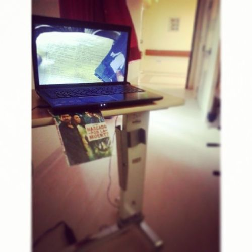 Movie con Papi♡... Cine Familiar improvisado en la Clinica...
