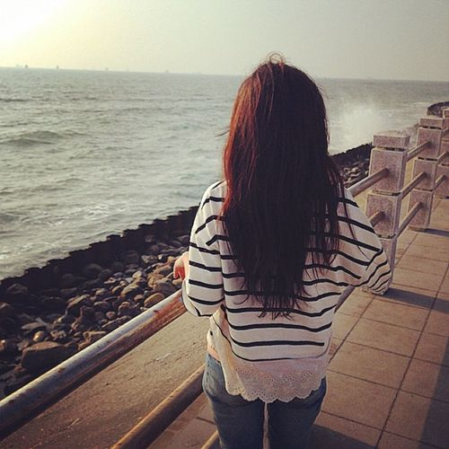 紀念不真實的開始 記錄是事實的結束 1月24日 Taiwan 感謝你在我回憶裡 祝我們都幸福 懷裡的擁抱 手心的溫度 遠去的你我 end 晚安 別說再見