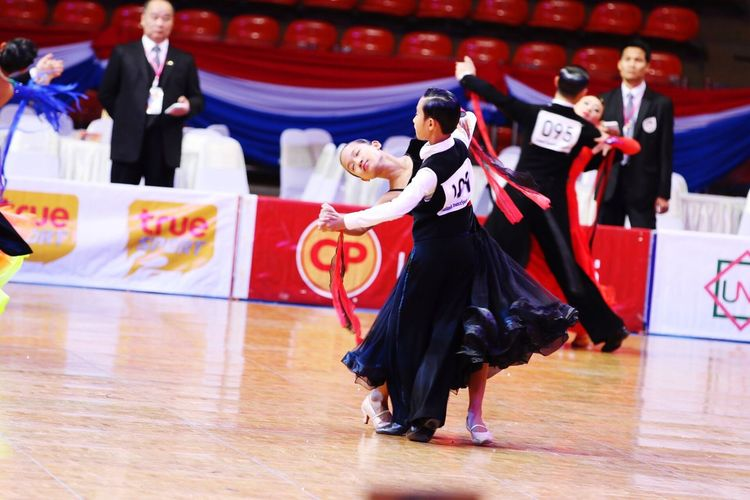 Lovely couple dancing waltz and slow dance Men Indoors  Stadium Adult People Contests Ddess Performance Quickstep dance Dancing Dancers Movement