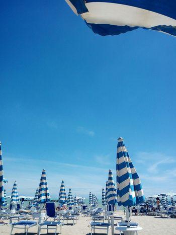 la spiaggia di San Benedetto del Tronto Europa Europeview Europe_perfection Europe_today Europe Viaggiare Italia Italy_stop Italy IT Igeurope Igeuropeantravel Igeuropa Top_italia_photo Top_europe_photo _igerscreativos _igeuropa _ig Loves_united Loves_ Beach EyeEm Selects Beach Sky Beach Umbrella Sun Lounger Parasol Umbrella Shore