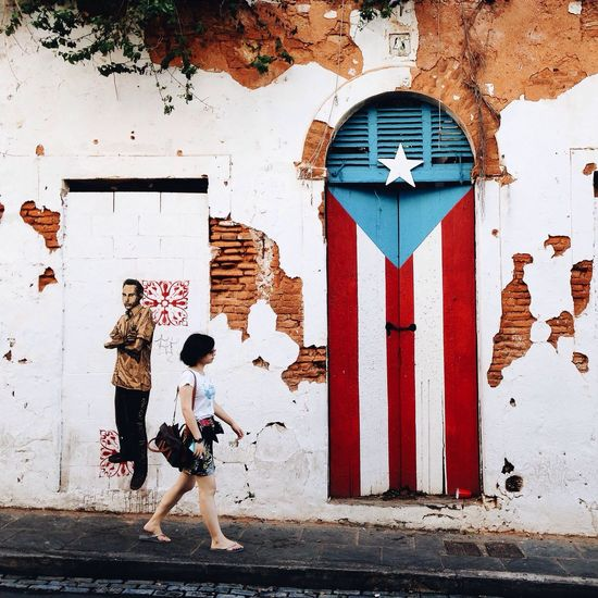 On street The Street Photographer - 2014 EyeEm Awards Stree Photography Color South