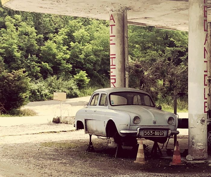 Renault Dauphine (1956-1967) Renault Garage Old Car Transportation Day Motor Vehicle Land Vehicle Car Abandoned Road Mode Of Transportation