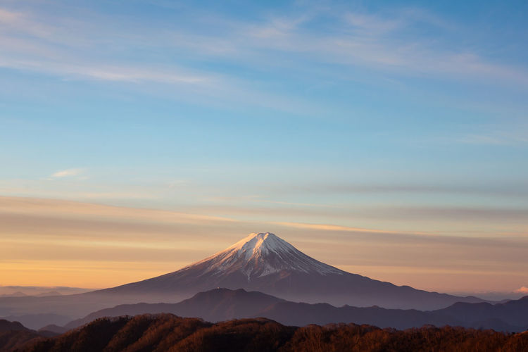 Mountain Scenics - Nature Beauty In Nature Tranquil Scene Tranquility Landscape Mountain Peak Sunset Cloud - Sky Snowcapped Mountain Nature Mount FuJi