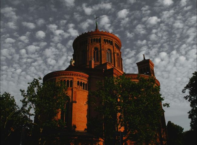 Entthronter Spitzenreiter Architecture Berlin Church Clouds And Sky