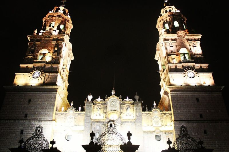 Illuminated Night Architecture Low Angle View Travel Destinations Eeyem Photography Exploding Fotografia Morelia Camere Mexico Cámara Style Fotos Photographer FotoDelDia Follow4follow Ciudad Day Iglesia Catedral CatedraldeMorelia Nightphotography Canon Nikon