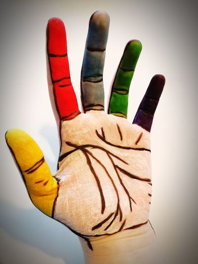 Hand Colors Fingers Long Goodbye EyeEm Diversity Art Is Everywhere This Is My Skin