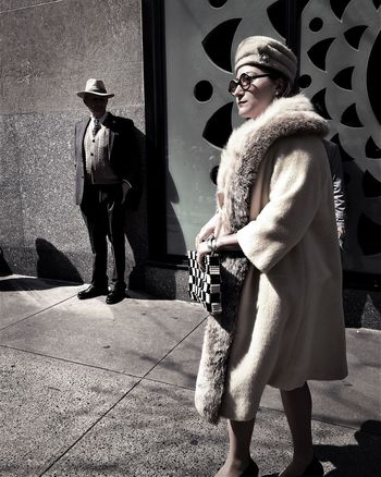 5th Avenue Taking Photos Everybody Street Hipstamatic Street Photography IPhoneography New York ❤ AMPt_community ShotoniPhone6s Youmobile Wearegrryo This Week On Eyeem Street Life Candid Shootermag_usa Up Close Street Photography