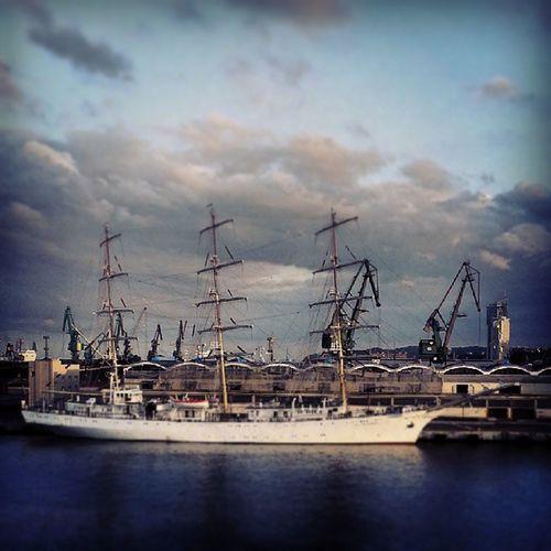 Gdynia Darmlodziezy Seatowers Port