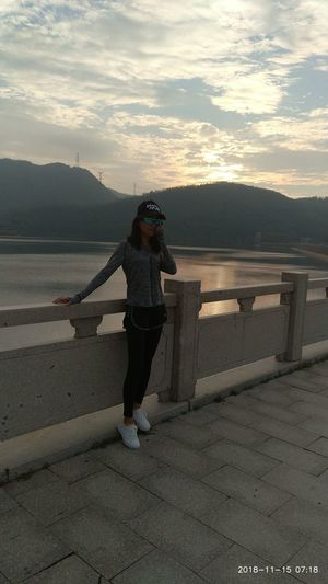 Jogging Beauty & Sunrise Edenmandom Morning Jogging Mountain View Lake View Water Sky