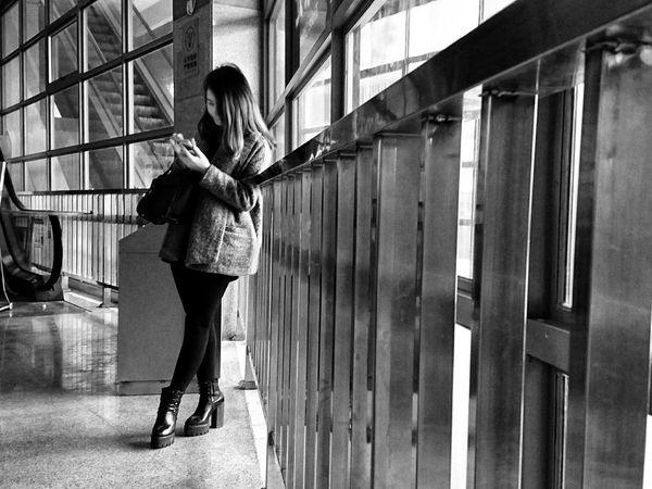 AMPt_community XperiaZ5 Streetphotography_bw NEM Black&white NEM Street Black And White Black&white EyeEm Black&white! Urban Lifestyle City Life Urban Exploration Streetphotography