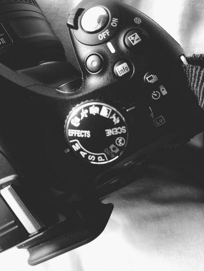 Camera Camera - Photographic Equipment DSLR Dslrphotography Close-up Technology Technology I Can't Live Without Technology Everywhere Euipments Gadgets Machine Machinery Manual Digital Camera Bw Monochrome Indoors  Black Nikon Nikon Camera Nikon Cameras Canon Canon Camera Camera Work Photography Equipment Close Up Technology EyeEmNewHere