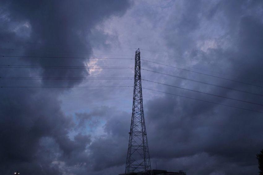 おつかれさま。ザザッと雨が降ってきそうだ。 SigmaDP1X Twilight