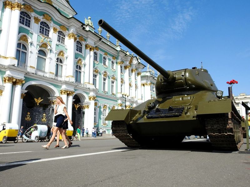T-34 Tank Transportation Architecture People Day Machine Of War Russian Legend Legendary Best Tank Building Exterior Sky City Palace Square Sunny Day 🌞 Summer Memories 🌄 Colors Of Sankt-Peterburg Sankt-Petersburg Russia