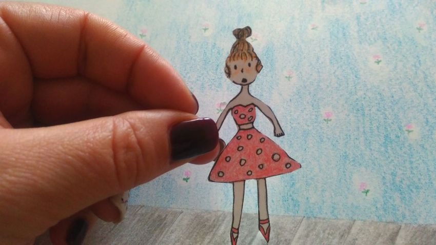 я рисую, i'm drawing, dollzhanna Create A Picture Girl Chrysalis Drawing Cartoon Appligue Cartoon Pic Human Hand Close-up