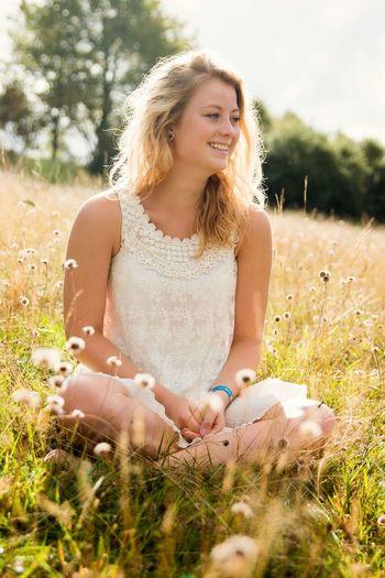 Nichts Ist So überzeugend Wie Ein Lächeln. Its Me! Smile! Selfportrait Fotoshooting📷 Hello World Enyoing Life Havingfun Enjoying This Beautiful Wheather Beautiful Day Beautiful Nature Beautiful View Beautiful Sunlight