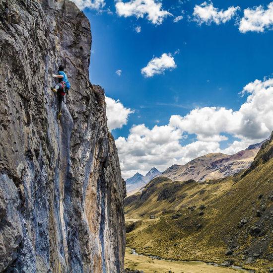 Mountain Rock Climbing Adventure Outdoors Climbers Mountains Outdoor Photography Peru Exploring Outdoors Photograpghy  Climbing Escalada Escaladaenroca Climbing Mountains Climbingwall Climberslife Climbing A Mountain Climbing_pictures_of_instagram Climbing Rocks