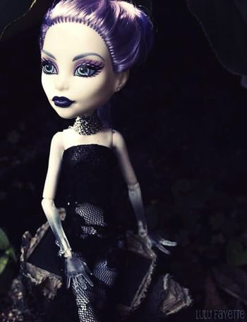 Doll Monster High Lace Dress Lace Purple Hair Dark Makeup Ghost Spectra
