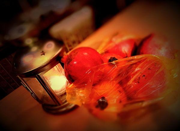 YALDA NIGHT Pomegranate Sour انار ترش مونده يلدا / Left a sour pomegranate Yalda.