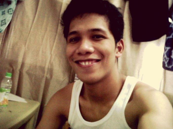 Selfie bago matulog . . Ehdigoodnight :)