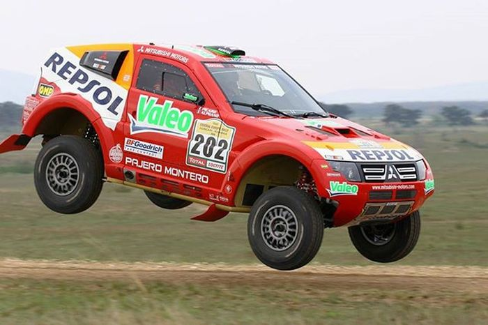 Dakar in the near past EEprojects Rally Autosport Motorsport Wrc Mitsubishi Jump Traction Speed Flying Dust Car Sportscar Canon_photos Snapzone Driving Pushtothelimit Corner Sport Track CarService Service Dakar Offroad Champion lucalphand4x4racingracecarwhatsyourweapon