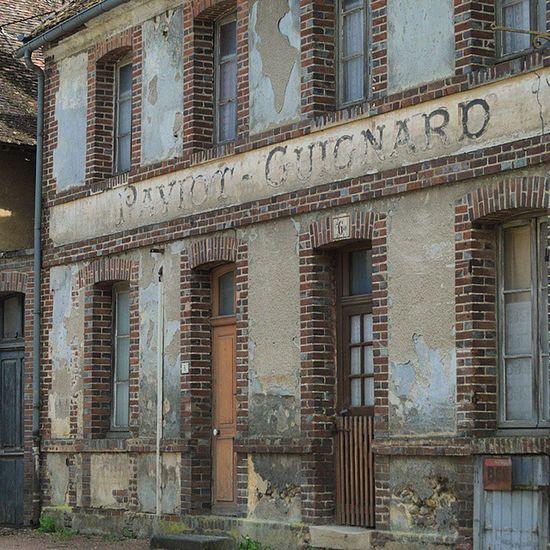 Villiers-saint-benoît Villierssaintbenoit Puisaye Yonnetourisme Yonne bourgogne igersbourgogne architecturerurale grainedenature