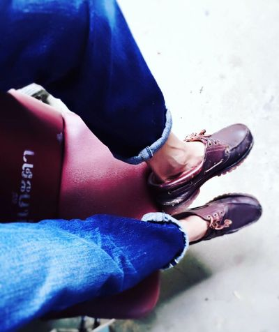 That's Me! Footwear Guy Human Body Part Huf Indoors  Denimjeans Leisure Activity Lifestyles Low Section Men Part Of Person Personal Perspective Real People Shoe Sitting Not Wearing Socks Timberland 😚