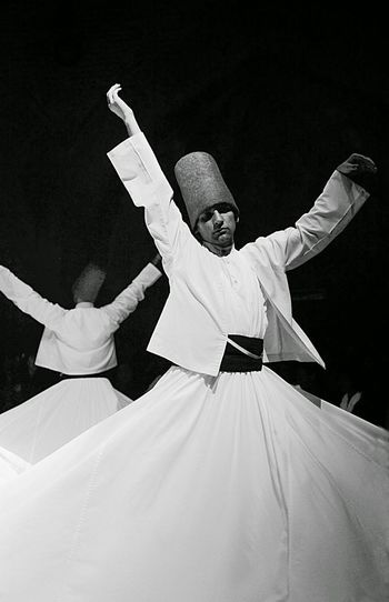 Dervixes dancing #e_no_sofa_nao_pousei_o_meu_corpo Dervixe Istanbul Meditation Arms Raised Arts Culture And Entertainment Belief Celebration Istanbul City Istanbul Turkey Men People Religion Rotational Energy Skill  Traditional Clothing