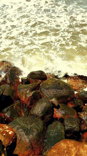 Australia Coastline Brisbane Rough Sea Rocks Redcliffeseaside Enjoying The View Naturelovers