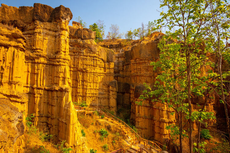 Thailand Rock - Object Sky Sunlight Beauty In Nature Travel Destinations Travel Outdoors Tourism Rock Formation Rock Architecture Nature History Chiangmai Thailand Mae Wang National Park The Grand Canyon Pha Chau Tree Solid Ruined Day