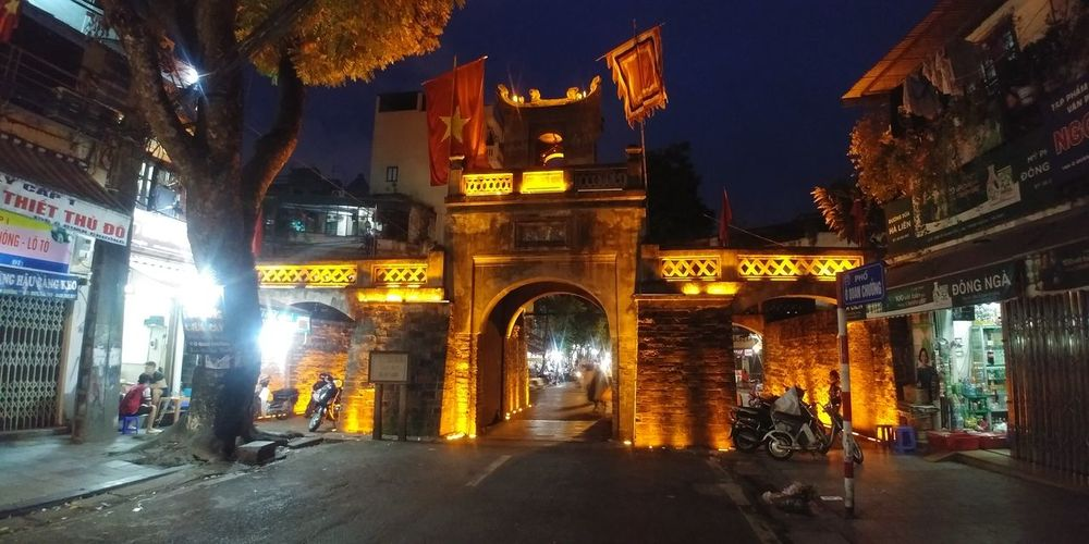 Ancient Arch Architecture Building Exterior Built Structure City History Illuminated Night No People Outdoors Sky Statue Travel Destinations
