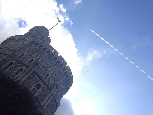 Windsor Castle Windsor Contrails Vapor Trails