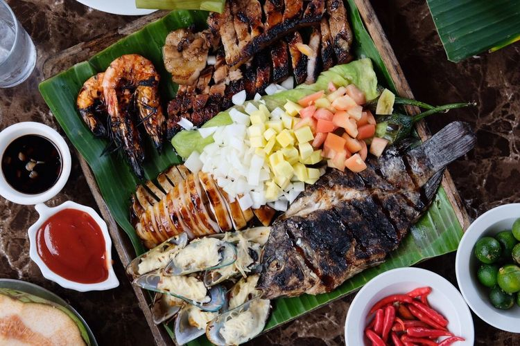 tropical sinugba EyeEm Best Shots EyeEmNewHere EyeEm Ocean Tahong Liempo Inihaw Seafoods Grilled Sinugba Tagaytay Lutongpinoy Philippines Flatlay Food Ready-to-eat Meat Plate Food And Drink Freshness Grilled Healthy Eating No People Variation Indoors  Day Close-up Barbecue High Angle View EyeEmNewHere