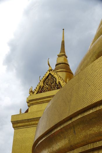 Phra Siratana Chedi, the Grand Palace, Bangkok. Bangkok Bangkok Thailand DSLR Thailand Architecture Building Built Structure Dslrphotography Gold Colored Low Angle View Palace Pentax Pentax K-3 Sky Spire  Thailandtravel Travel Destinations