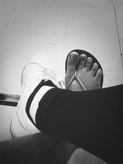 Feet :3