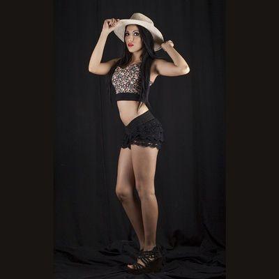 Squareinstapic 5dmarkll Mujer Modelo Bella Rocafotografia CanonMexicana Arte Canon Sombrero Tdt