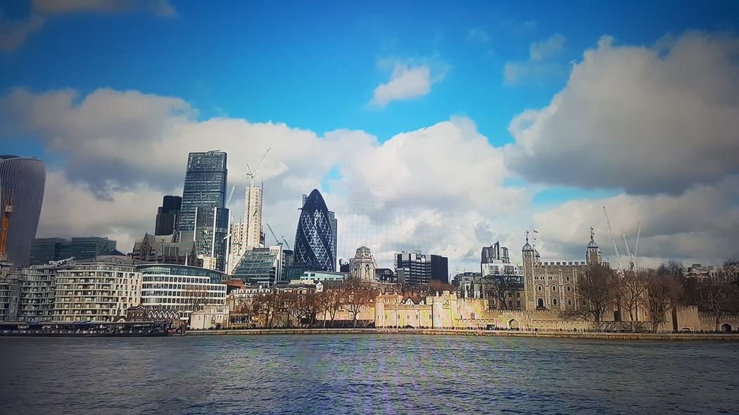 london panorama London Brilliant Colors LONDON❤ EyeEm Tamigi Tower Bridge  Ponte Londra Sky Panorama LondonLove Londonlife Eyeemphotography Nuvole Photo Photography Ricordi Di Viaggio River Outdoors Business Finance And Industry Day Building Exterior Water Modern No People Politics And Government Go Higher