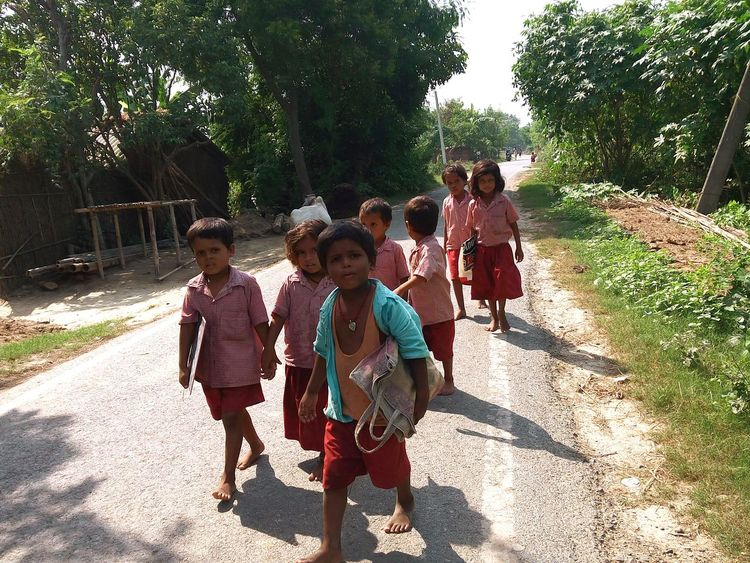 Edge Of The World Childhood Children Returning Home After School Group Of Happiness Developing Country Developing Country's Education Village Life Village Education Childhood Memories Traditional Clothing Happiness