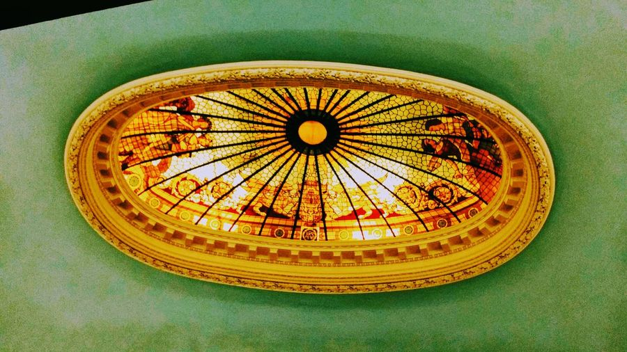 Indoors  No People Close-up Day History Ciudades Y Gente Illuminated Arts Culture And Entertainment Alebovino Alejandro Maciel. Arte Y Parte Multi Colored In Vino Veritas Architecture Religion Gold Art And Craft Stained Glass Spirituality Representation People Window One Man Only Creativity Building Exterior